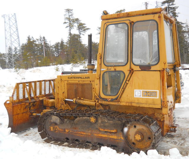 TIMED ONLINE AUCTION EXCAVATOR- DOZERS- BACKHOE- DUMPS- PAVING
